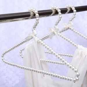 🛍Beautiful Faux Pearl Hanger